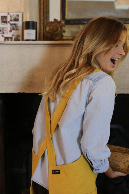 Tablier japonais en lin jaune safran